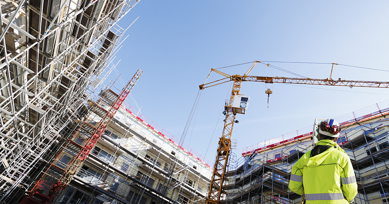 How to improve efficiency with crane rental software