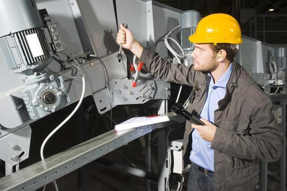 Move from reactive to predictive maintenance and service with the Internet of Things