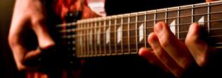 Tips para comprarle su primera guitarra eléctrica a tu hijo