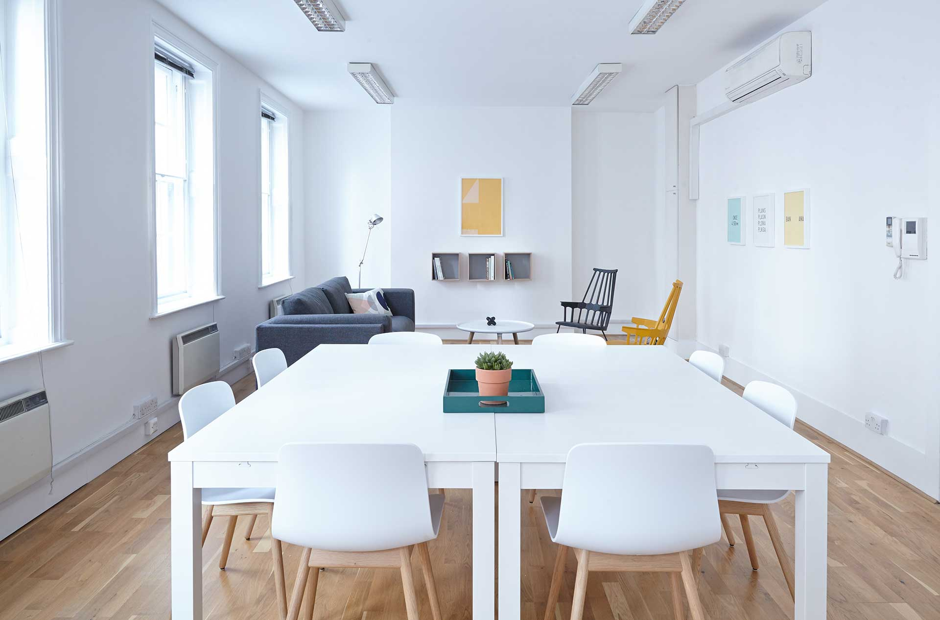 white customer success office