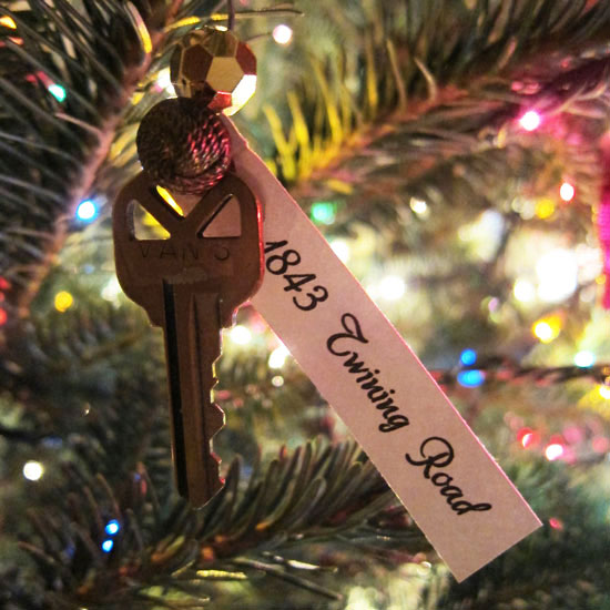 First home christmas ornament idea for First apartment ornament