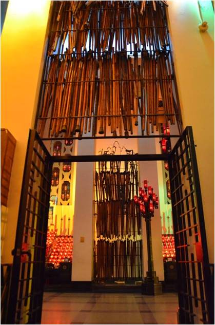 crutches-St-Josephs-Oratory