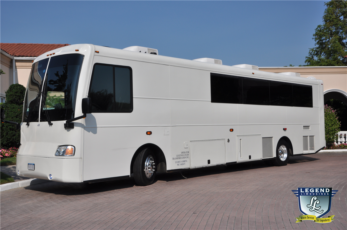 Legend limousines inc white diamond 40 passenger limo for Motor city party bus