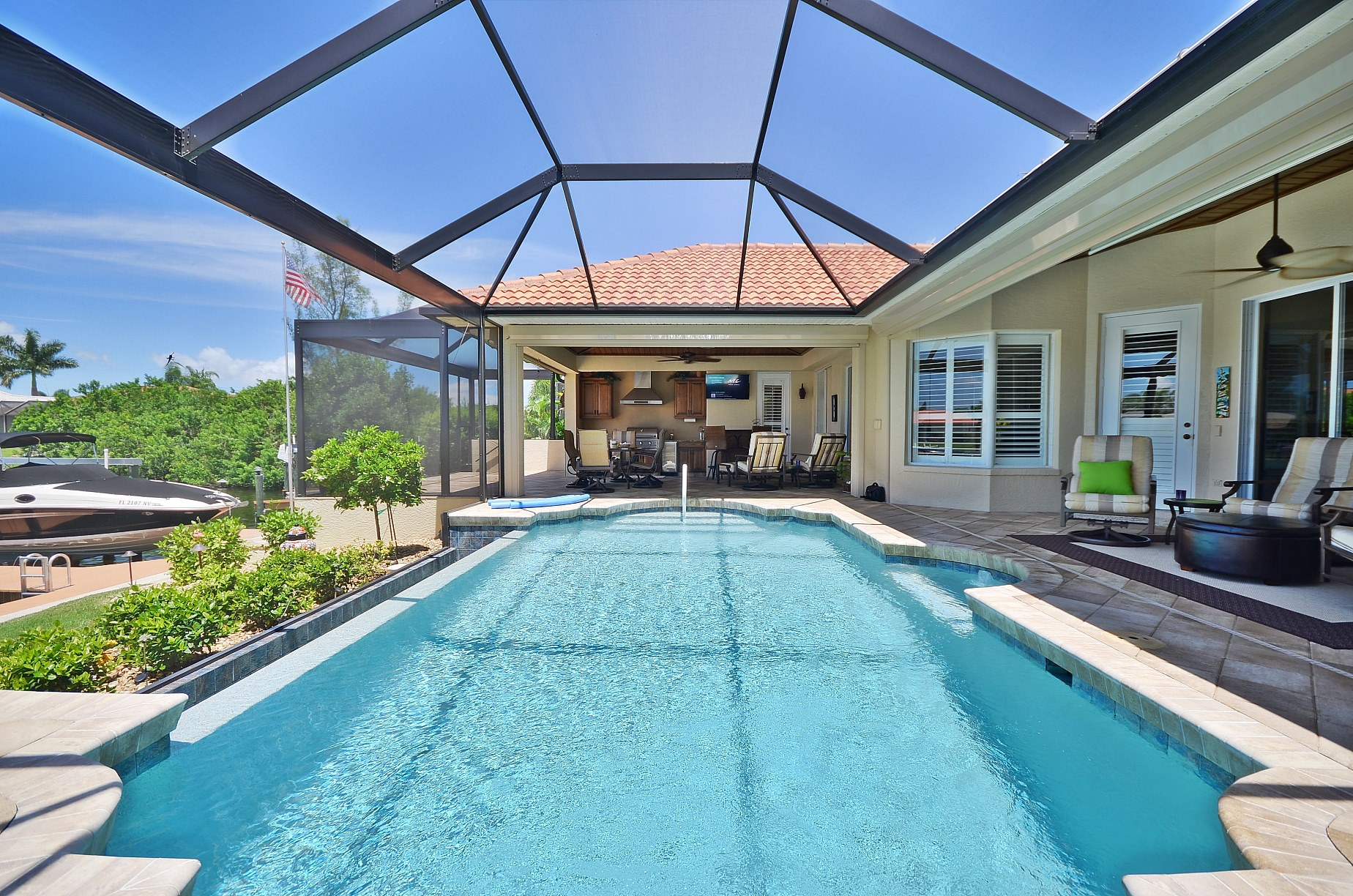 Extend Your Outdoor Living Space With Screen Enclosures