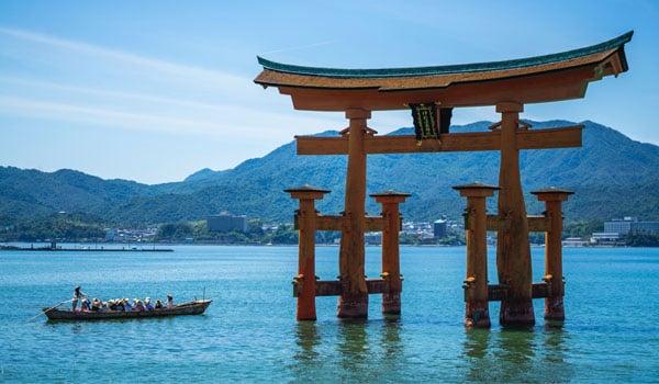 itsukushima-shrine-on-miyajima