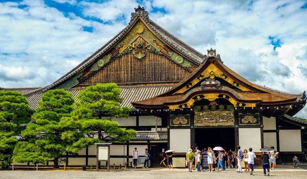 nijo-jo-castle-in-kyoto-japan