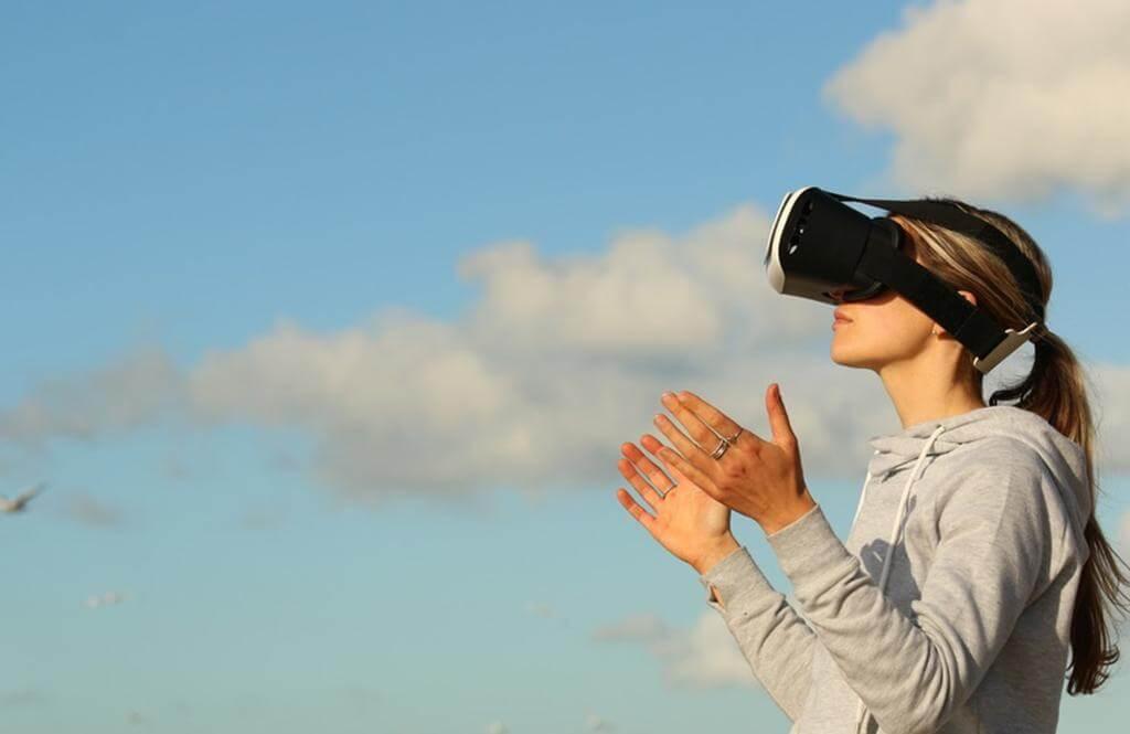 StartApp  focuses strongly on VR