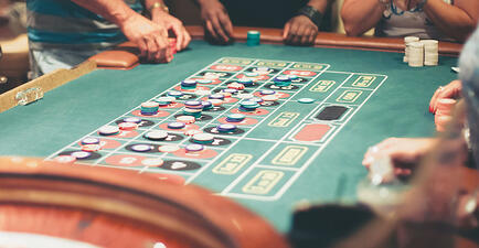 Casino-game-table