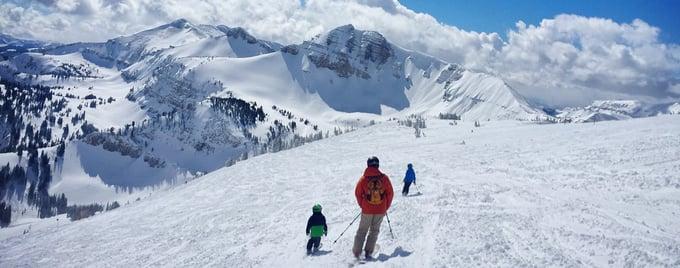 family-ski-vacation_t20_6wAk1p-(3)