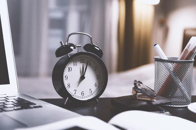 alarm-alarm-clock-analog-714701