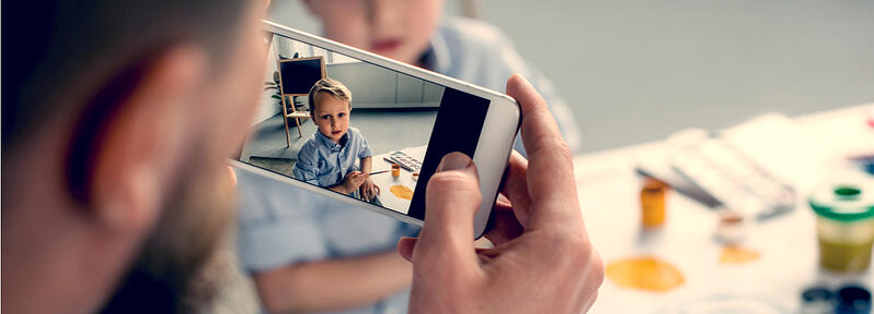 Sharenting, el peligroso acto de exponer la vida de nuestros hijos en redes sociales