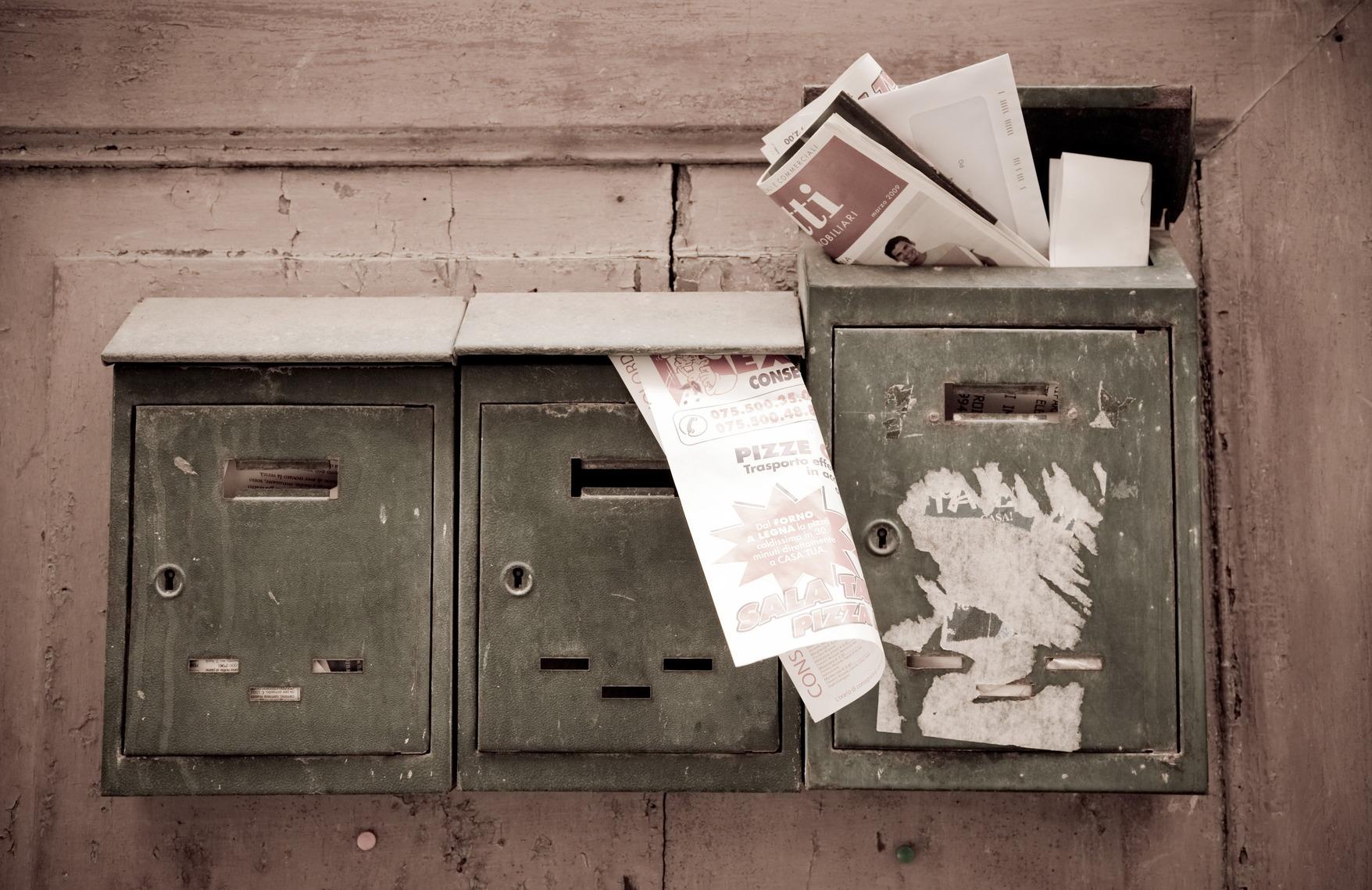 photodune-1107999-mailboxes-m.jpg