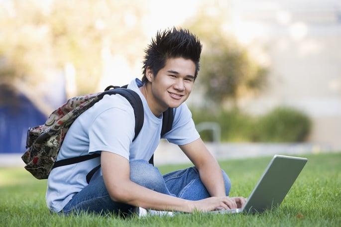 canstockphoto1873072-universitystudentwithlaptop