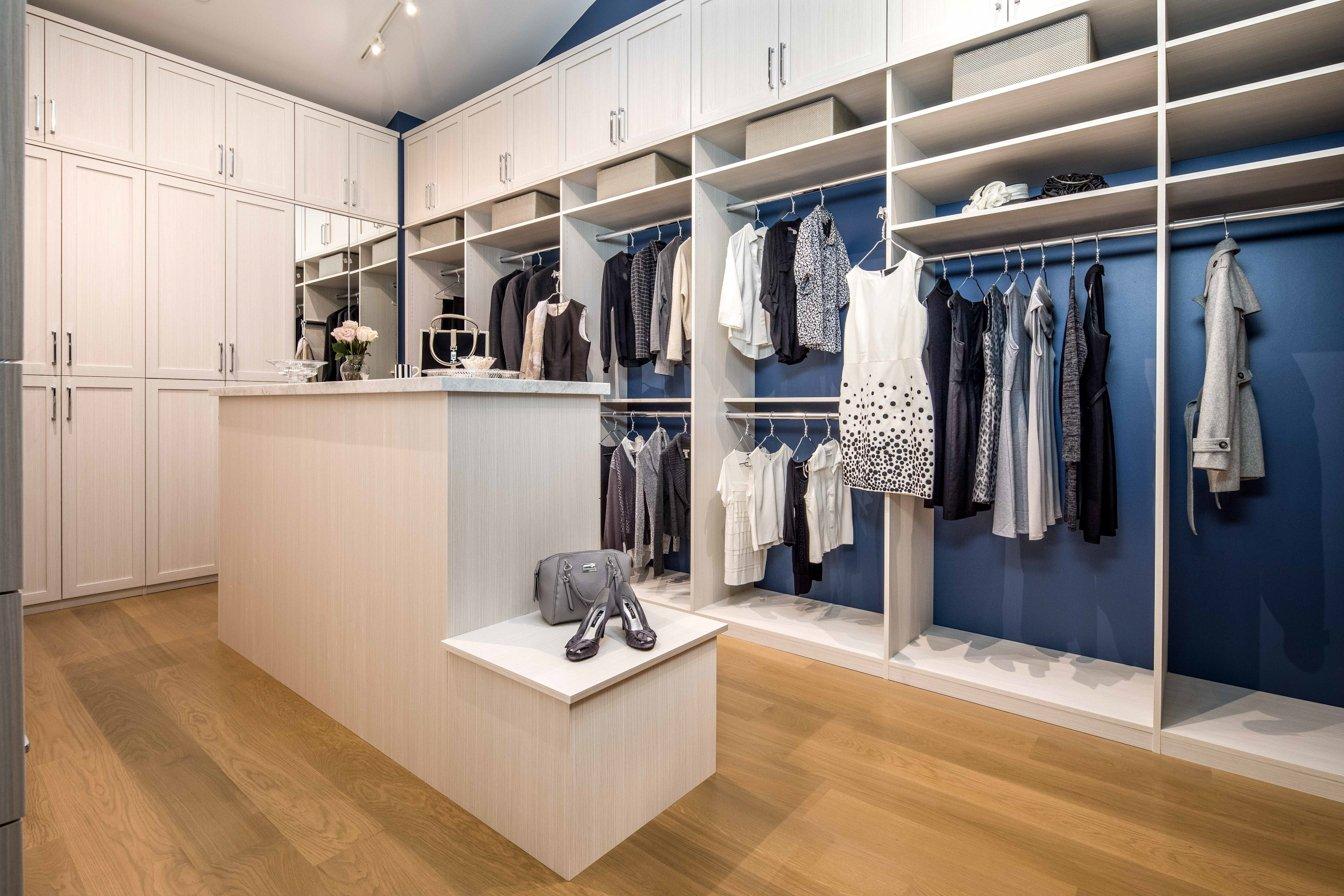 2018-05-08_Walk-In Closet_Bianco (2)-PX