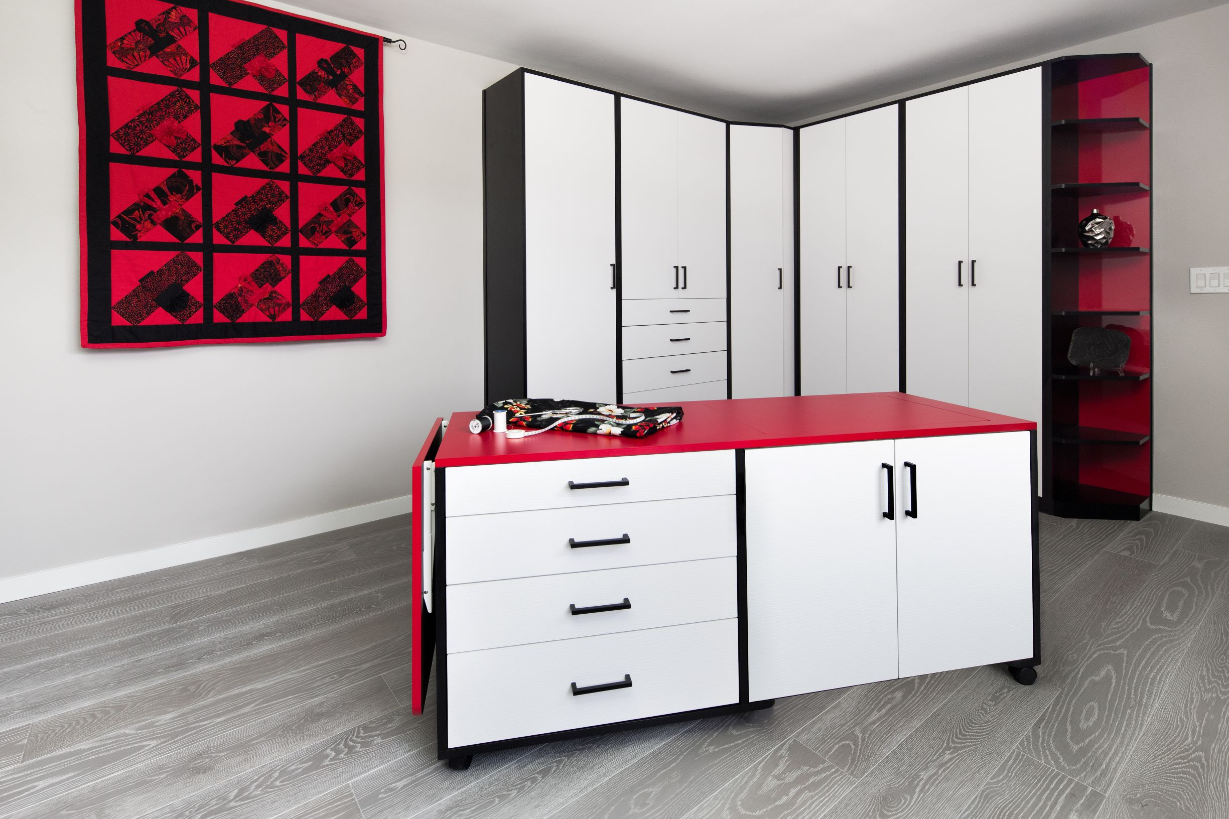 2014-12-04_Crafts-Sewing Cart_White Sculpted with Black and stop red HPL (2)-PX