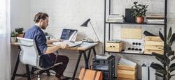 Hvordan lede medarbeidere på hjemmekontor?