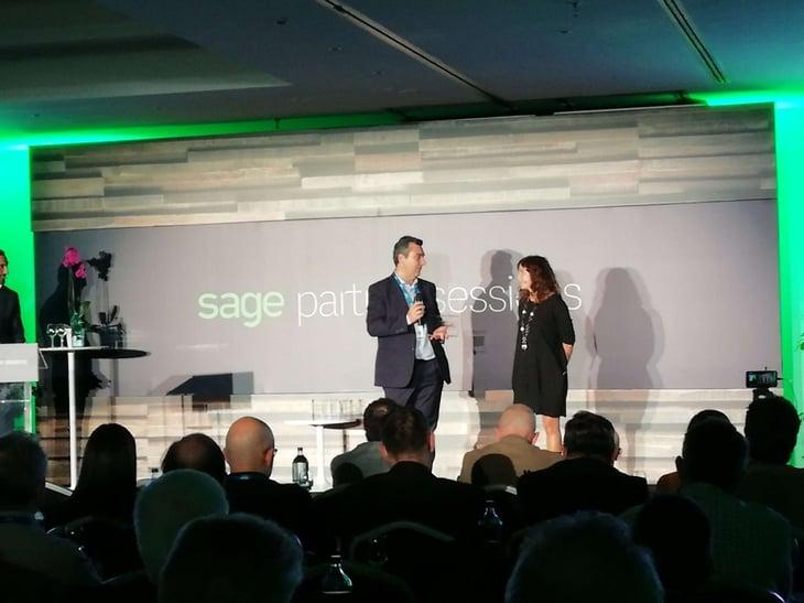 Saqqara Informática recibe el premio del partner del año en Migraciones, en la Sage Partners Sessions.