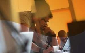 ¿Cómo controlar las desviaciones de un proyecto con un ERP?