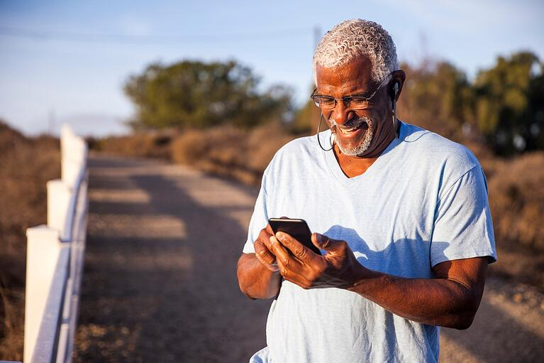 How Digital Advertising Helps Clinical Trials Recruit Elderly Patients