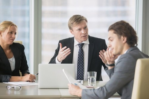 When HR Should Step In or Out of a Boss-employee Conflict