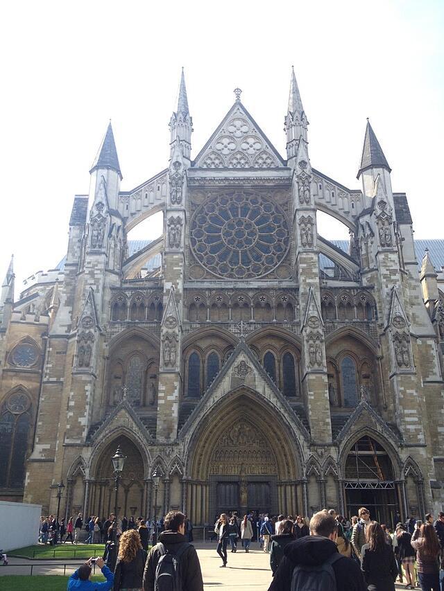 Jacquelyn-Jones-London-Spring-2014-Westminster-Abbey-768x1024.jpg
