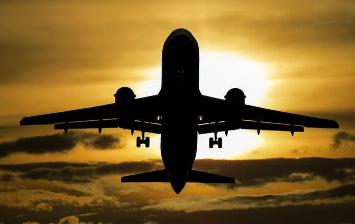 aeroplane-aircraft-airplane-99567 (1)