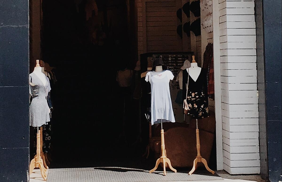 MakersValley Blog | 5 Things Fashion Wholesale Vendors Won't Tell You