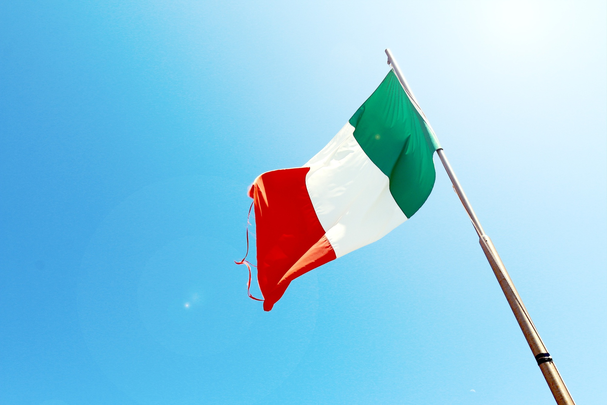 What's the Real Story of 'Made in Italy' For Clothing Brands? | MakersValley Blog