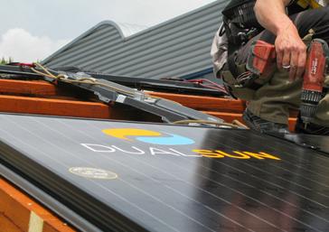 panneaux solaires thermiques ou photovolta ques pourquoi pas les deux dualsun. Black Bedroom Furniture Sets. Home Design Ideas