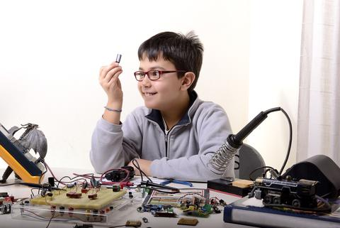 The hardware incubators/accelerators list