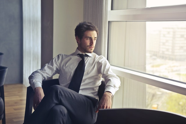 businessman-chairs-facial-expression-716411