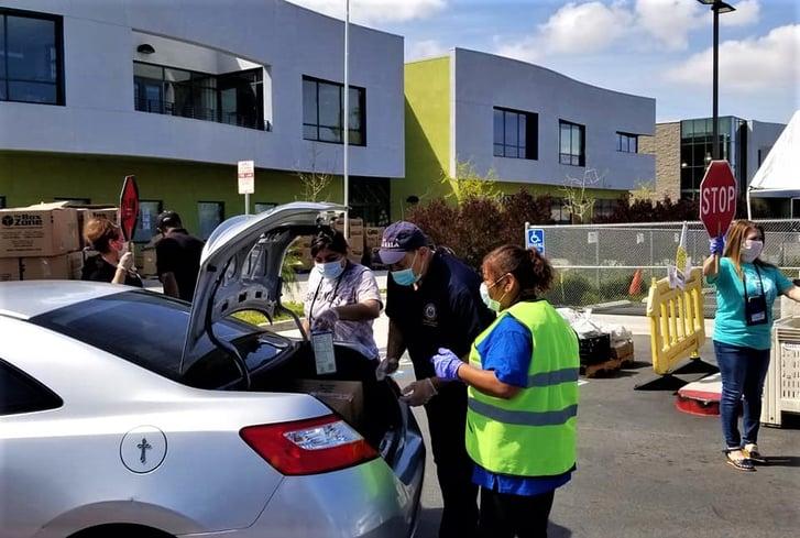 Magnolia Science Academy Colabora con Organizaciones para Ayudar a las Familias