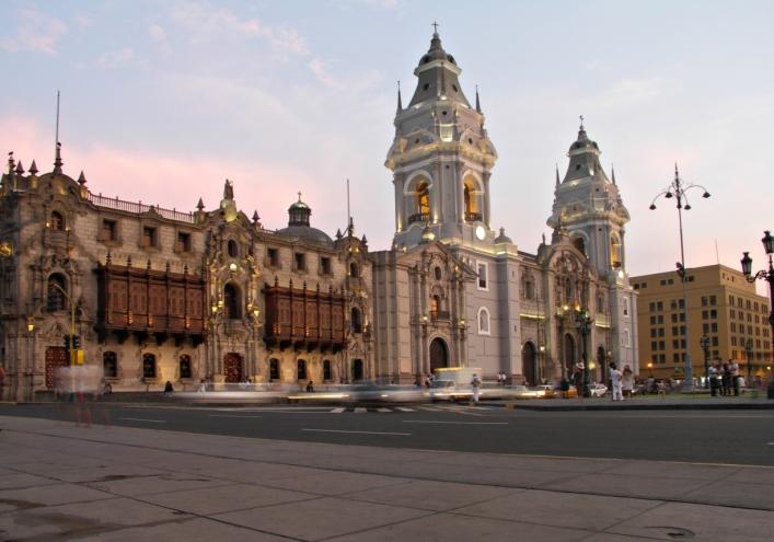 PlazadearmasinLima
