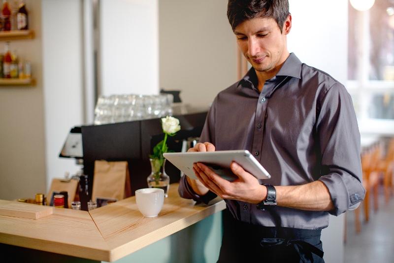 asiakaskokemus-kuntoon-5-vinkkiä-parempaan-myyntiin-ja-palveluun.jpg