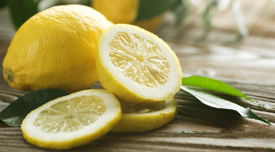 12_ways_to_boost_your_health_with_lemons