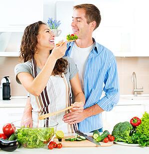 Happy_Kitchen_Fotolia_61536867_XS