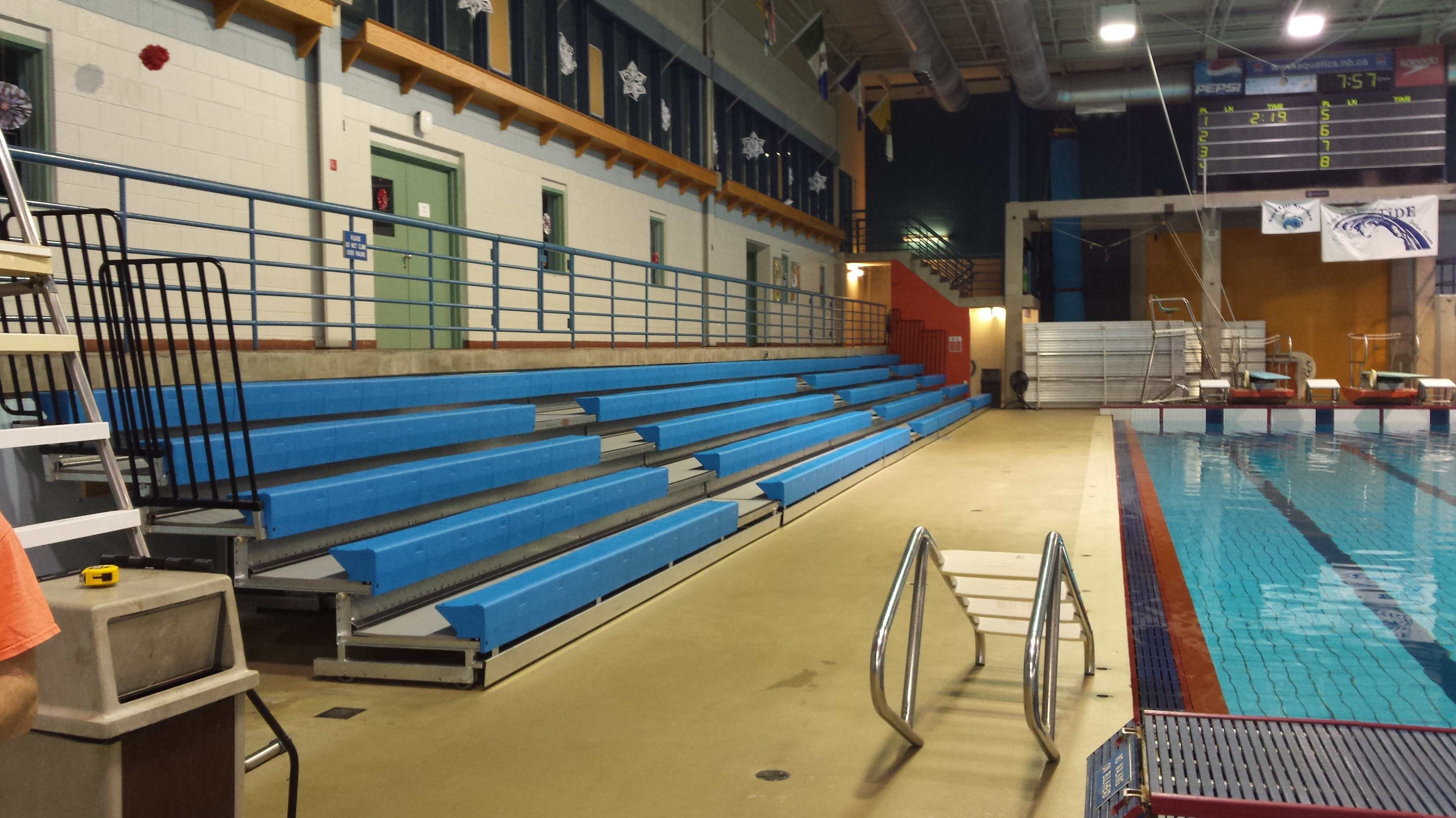 High Humidity Telescopic Pool Bleachers For The City Of