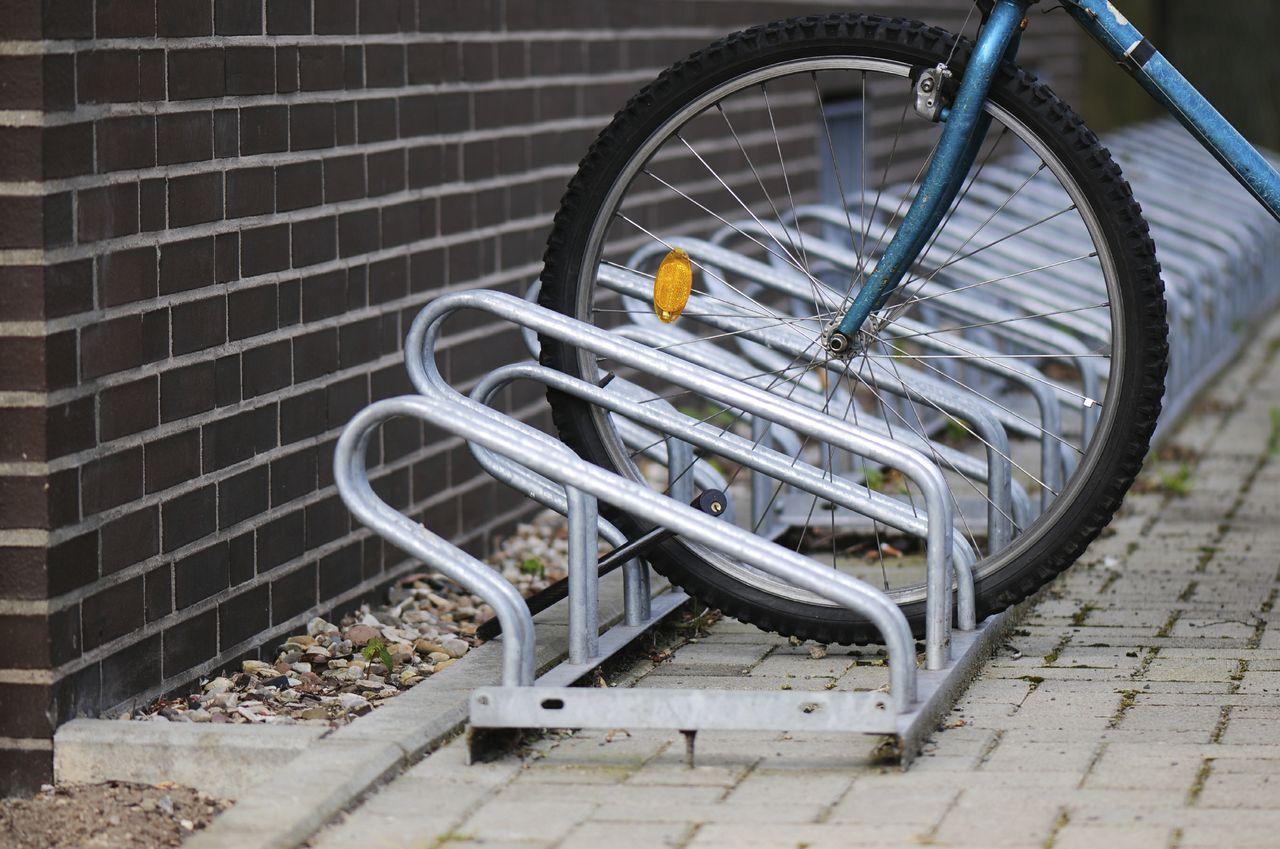 options for mounting a bike rack. Black Bedroom Furniture Sets. Home Design Ideas