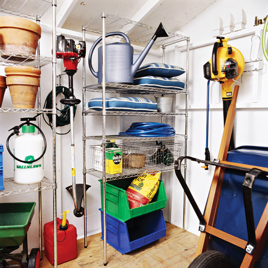 5 helpful tips for organizing your storage shed for Garden shed organization ideas
