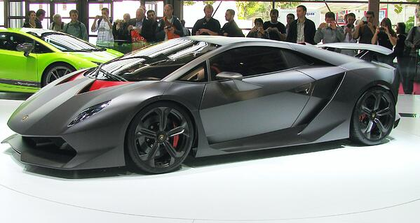 Lamborghini_Sesto_Elemento_