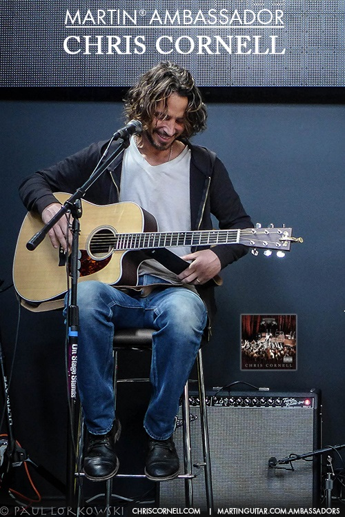 chris cornell receives human rights hero award
