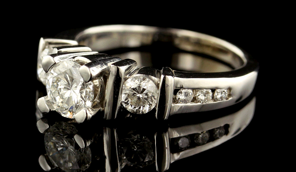 8 Beautiful Vintage Diamond Engagement Rings Under $3 000