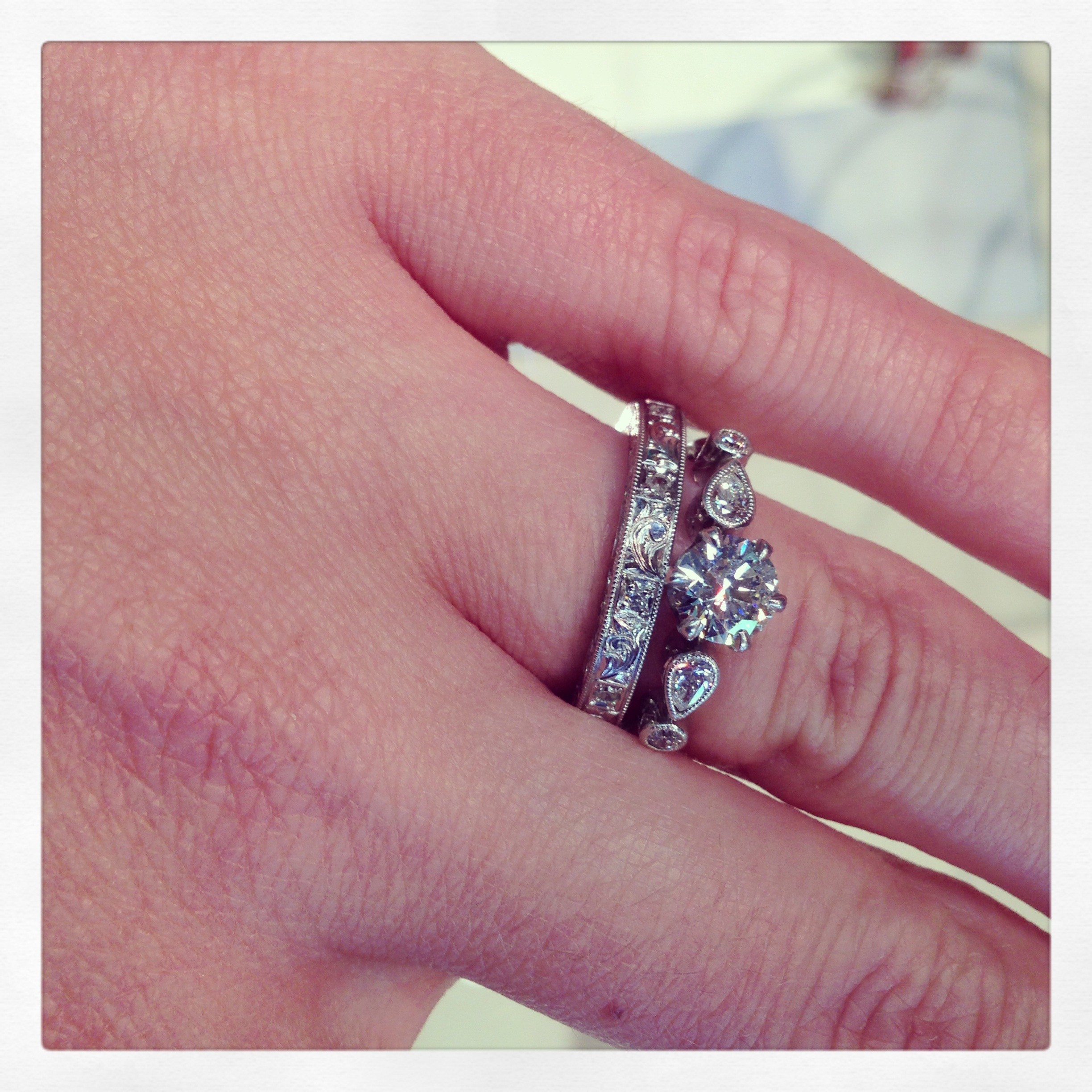Cheap engagement ring for young: Do wedding and engagement rings ...