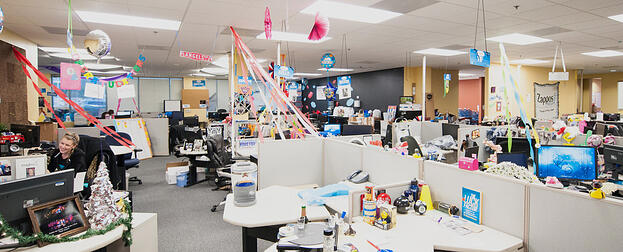 20 ideal office spaces for creative agency employees for Zappos office design
