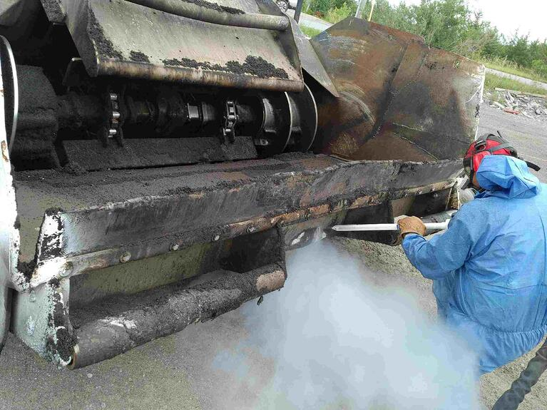 Removing Asphalt Buildup with Dry Ice Blasting