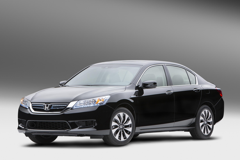 2014_Honda_Accord_Hybrid_02