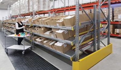 Solutions de rayonnages adaptées au e-commerce | Toyota Material Handling