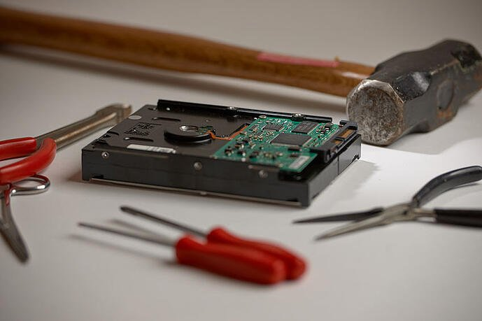 6 Reasons for Companies to Invest in Data Shredding for Old Computer Hard Drives