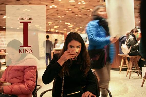 Sara LogTrade Starbucks i Shanghai