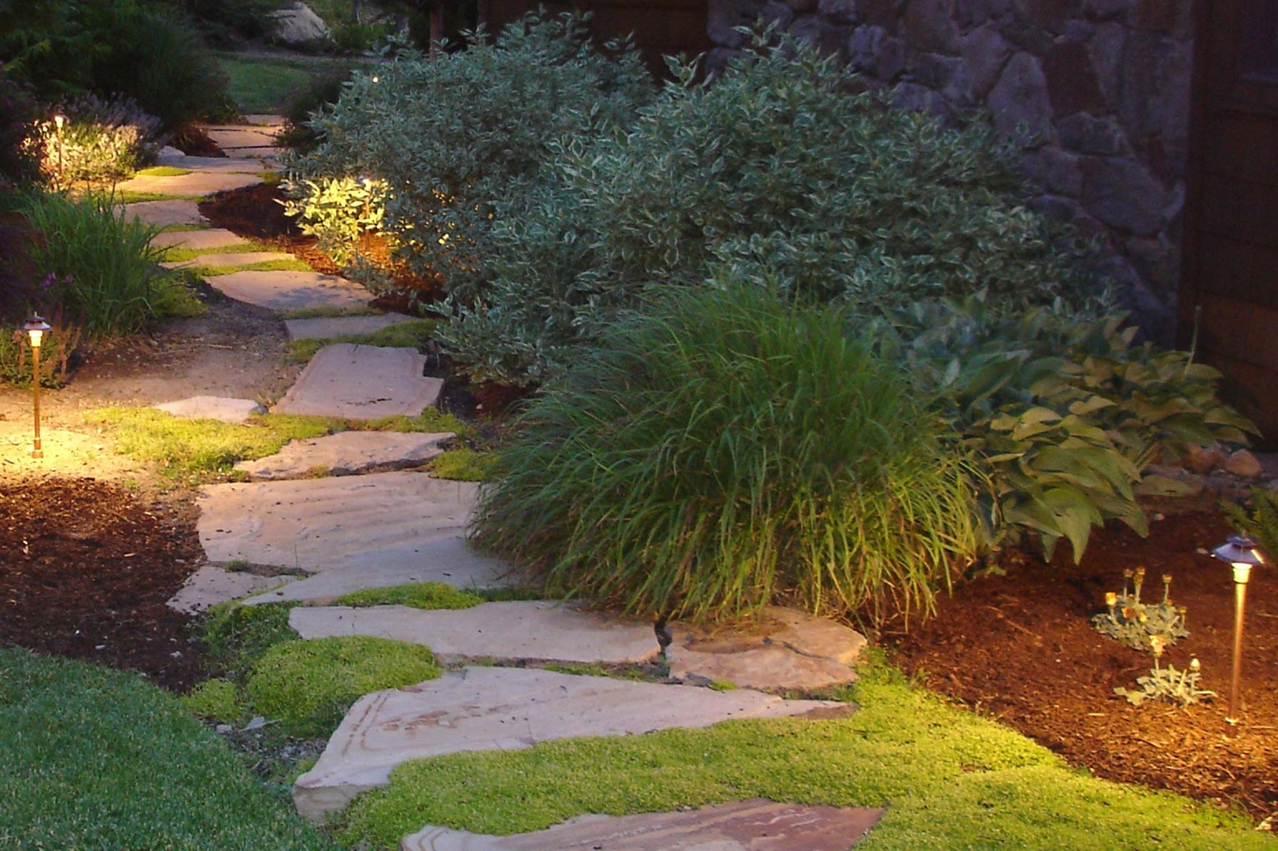 4 Path Lighting Design Ideas Guide To Low Voltage Path Light